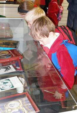 New Hall Preparatory School visit to Mersea Museum June 2009