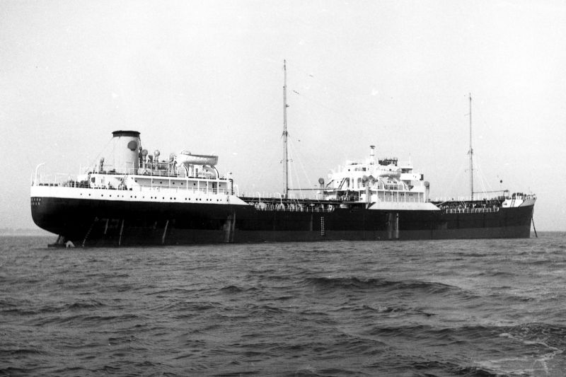 Shell tanker LABIOSA, thought to be whilst laid up in River Blackwater 1963-64. 6,473 tons gross, built 1948. 