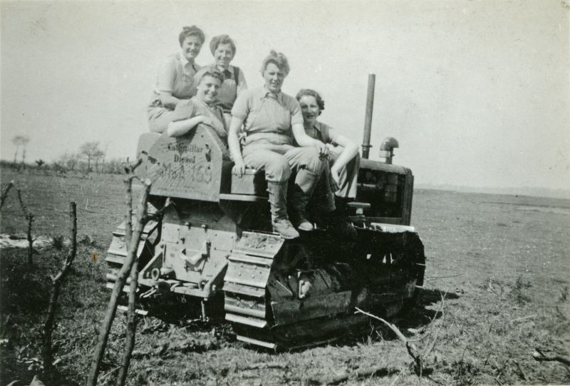 Land Girls at Bower Hall Farm