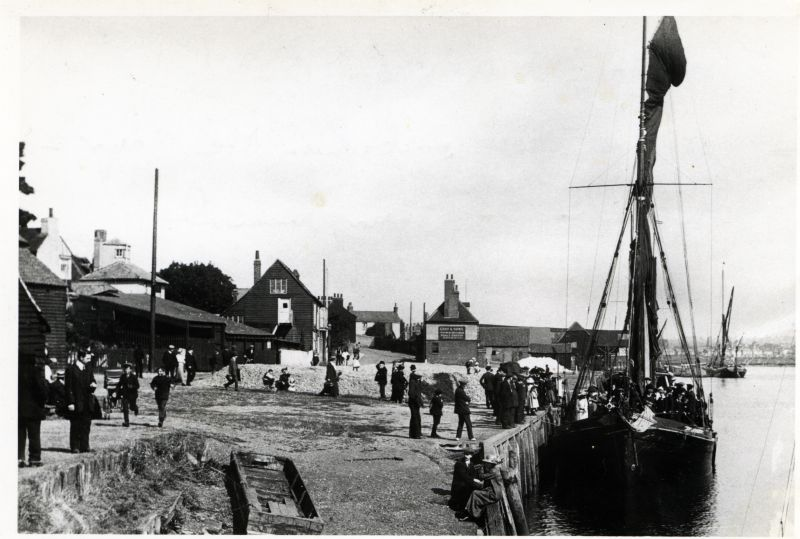 2. ID HBC_006_002 SUNBEAM at Maldon Quay around 1904 embarking the Mayor and Corporation on their annual inspection of the Blackwater.