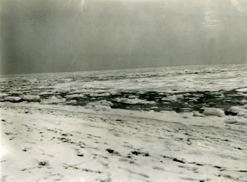 Frozen sea at Mersea, January 1940. Photo by Howard Winch. 