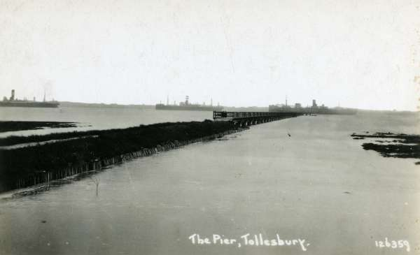The Pier, Tollesbury. Postcard 126359, not mailed.