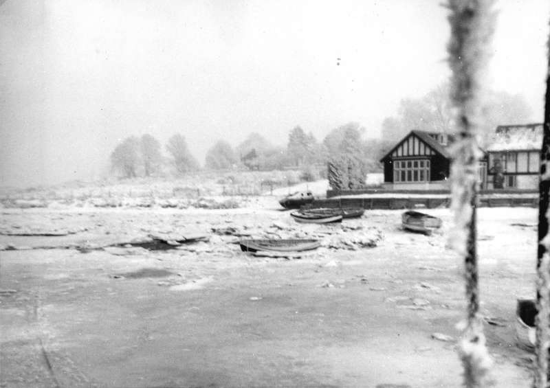 The hard winter of 1962 - 1963. Ice at the Nothe. There was a school in the northern end of the Nothe cottages during the war. 
