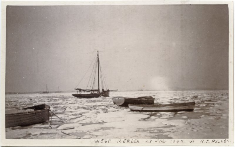 West Mersea - icy winter of 1947. Smack KINGFISHER. Photo by R.C. Pullen 
