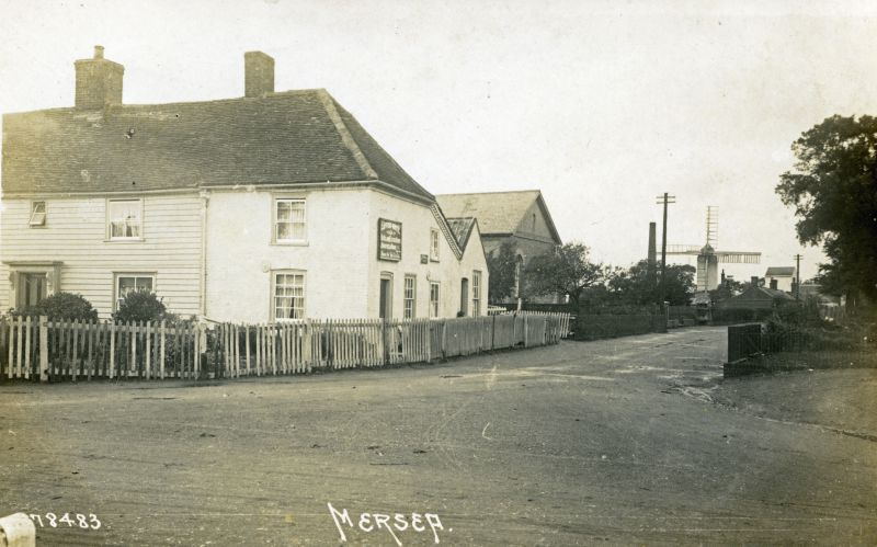 Queens Corner Mill Road. Windmill. Postcard 78483. 