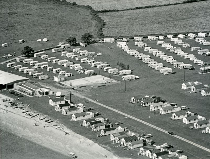 Jack Botham aerial photograph 9110A. Coopers Beach chalets and caravans. 